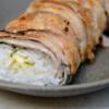 豚バラでご飯を巻く創作料理